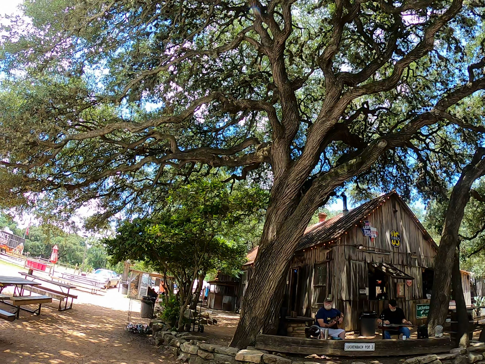 Live-Music-In-Luckenbach