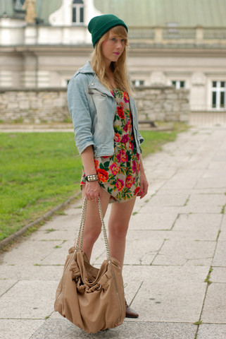 i love this look, such a fan of floral