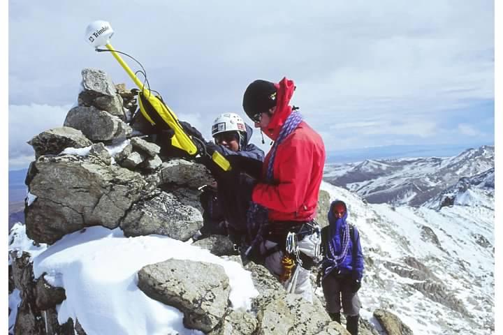 Measuring the summit elevation of Ancohuma