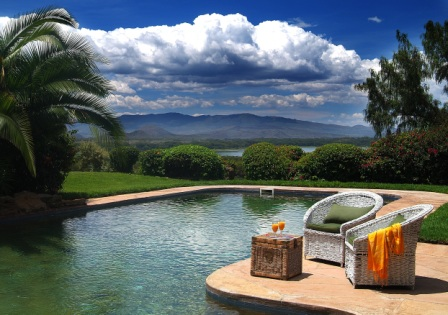 Kiangazi House - Swimming Pool with a view