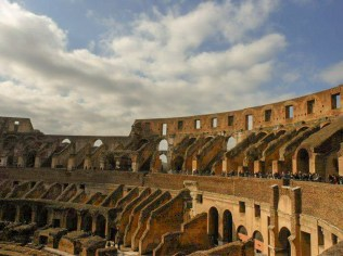 Colosseo | Rome, Italy | Adventures with Shelby