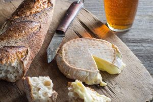 Discover great Tasmanian food and wine with Adventure Trails Tasmania