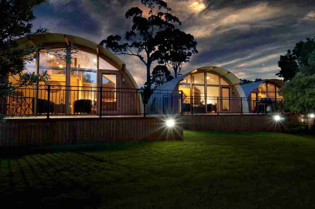 Situated in Adventure Bay on Bruny Island, 43 Degrees Bruny Island offers Boutique Environmental Accommodation for those looking for exceptional experience whilst maintaining a focus on being environmentally conscious.