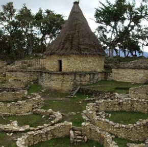 Kuelap, sitio arqueologico en Peru