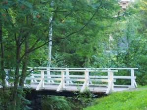Hurmaavat Hupisaaret ja 33 valkoista siltaa