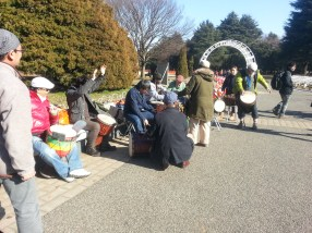 People playing various kinds of drums at Yoyogipark