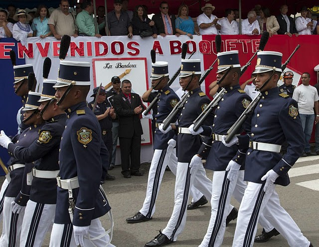 THE INDEPENDENCE DAY PARADE - BOQUETE, PANAMA   (1/6)