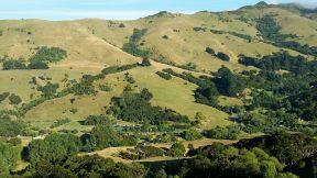 Akaroa New Zealand Mountain-scape