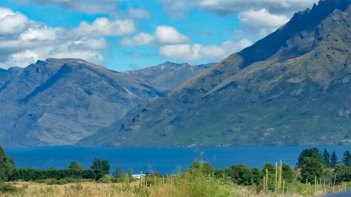 Queenstown Te Anau lake