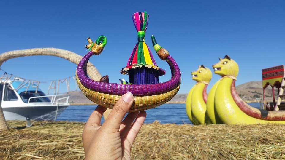 totora-reed-boat