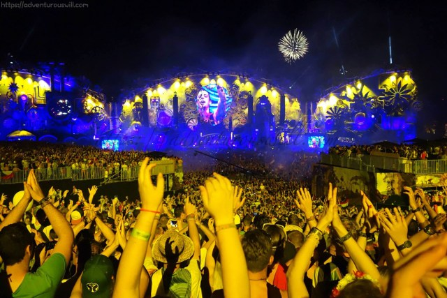 Tomorrowland Crowd