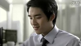 Tencent 2011 Chinese New Year Advertisement: Son now successfully working in New York.