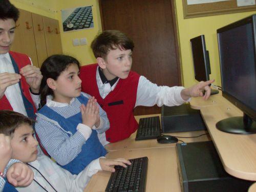 E-learning şi instrumente inovative de evaluare pentru elevii cu deficienţe de auz