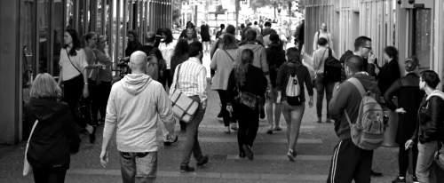 Studiu Mastercard: 8 din 10 români cred că plățile electronice pot combate economia subterană
