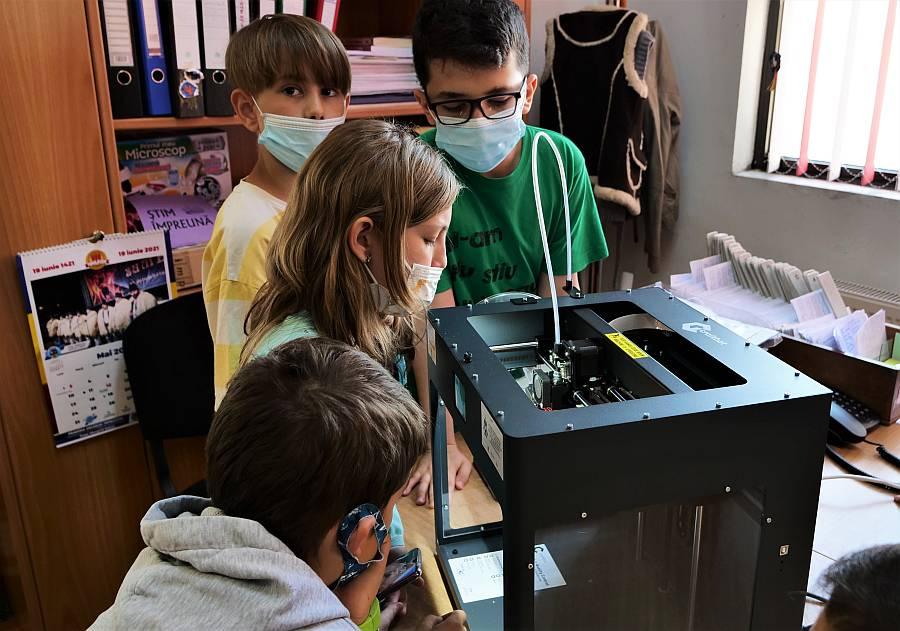 CODEKids_imprimare 3D la biblioteca publică locală