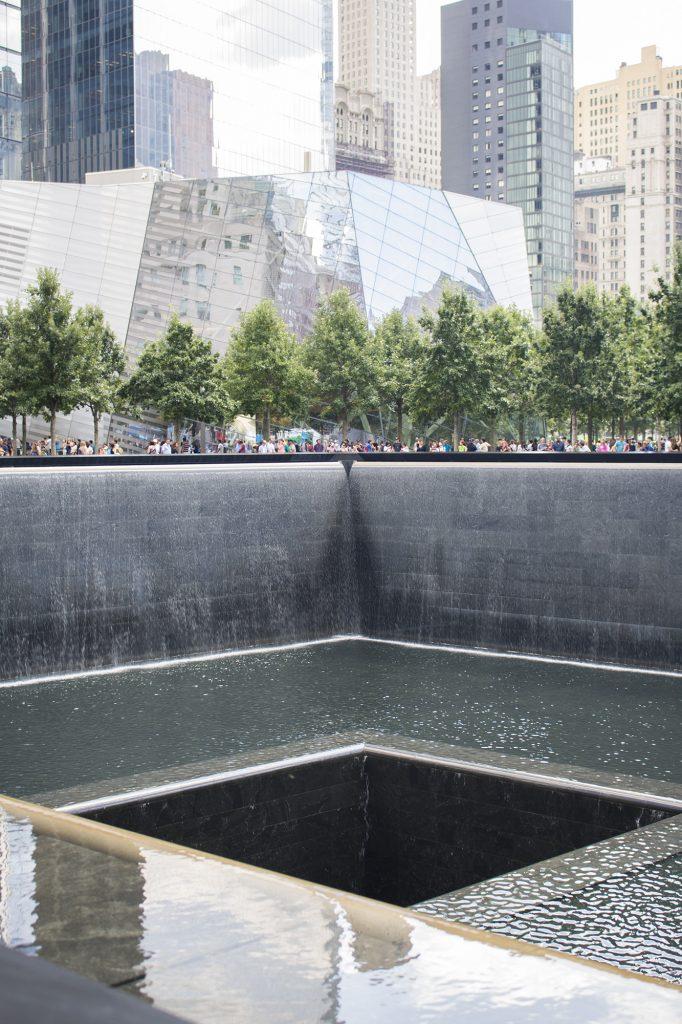 Memorial pools WTC in NYC