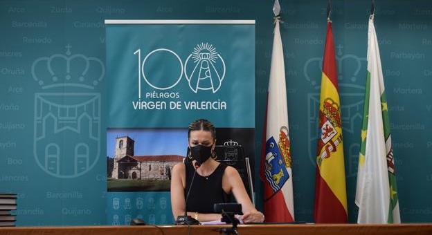 La alcaldesa, Verónica Samperio, presidió la sesión plenaria de este viernes desde el Ayuntamiento. / DM