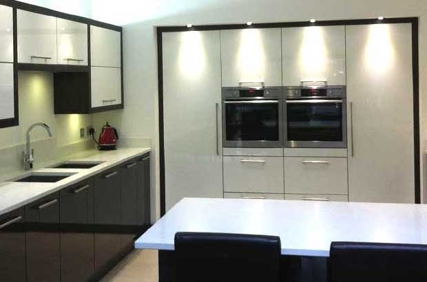 How To Mix Tall Kitchen Units & Wall Units