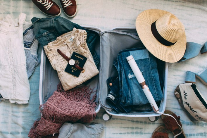 Como arrumar a mala para uma viagem de praia?