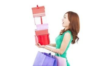 women shopping bags shutterstock_127210643.jpg By Tom Wang