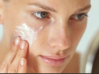 skin cream on a woman's face for advicesisters skincare articl