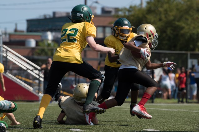 Everett saved the ball in a scrimmage against West Lynn on Sunday afternoon.
