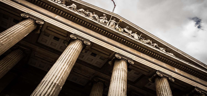 Ústavní soud opět zrušil ustanovení trestního zákoníku zmocňující vládu ke konkretizaci pojmu množství větší než malé