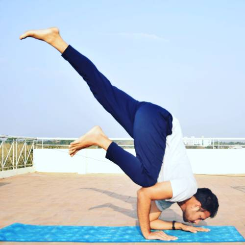 Mani Bhaskar Adwait Yoga School Teacher
