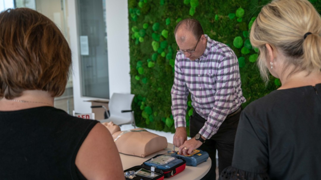 Demonstration of AED