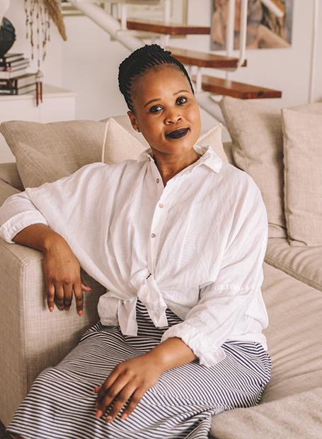 Portia Swelindawo