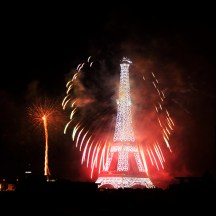 paris_fireworks_bastilleday04