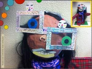 Boneca de carnaval com óculos quadrados