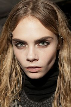 Cara Delavigne full eyebrow look