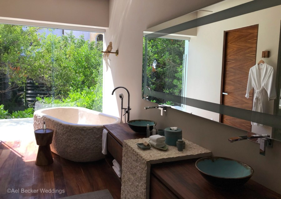 Bathroom of the Presidential Suite at Chable Maroma, Mexico. Ael Becker Weddings