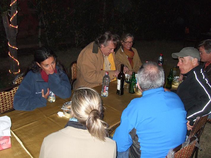 Mark Lehner visits with Ana Tavares, Mark Muheim, Ann Lurie, Matthew McCauley, and Jane Rusconi.