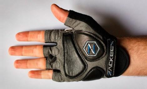 glove-left