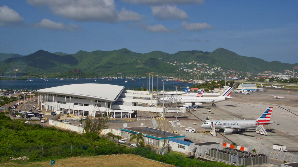 Resultado de imagen para Sint Maarten Airport reconstruction