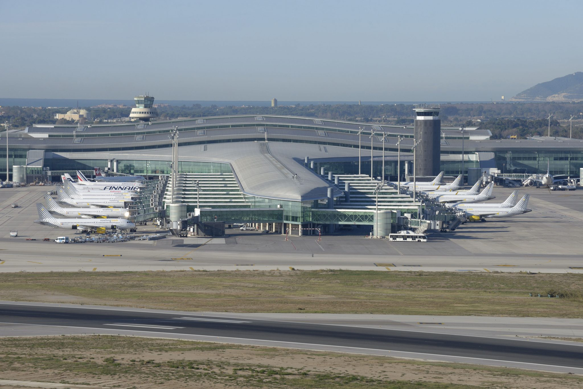 Image result for aeropuerto barcelona
