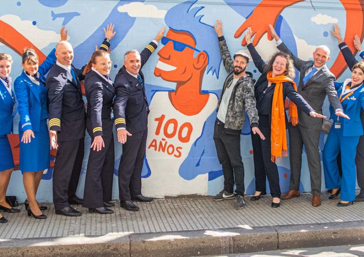 Image result for KLM Argentina murales pintando 100 años
