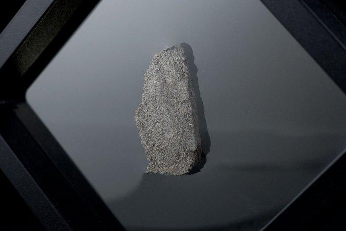 NWA 6963 2.9 Grams slice