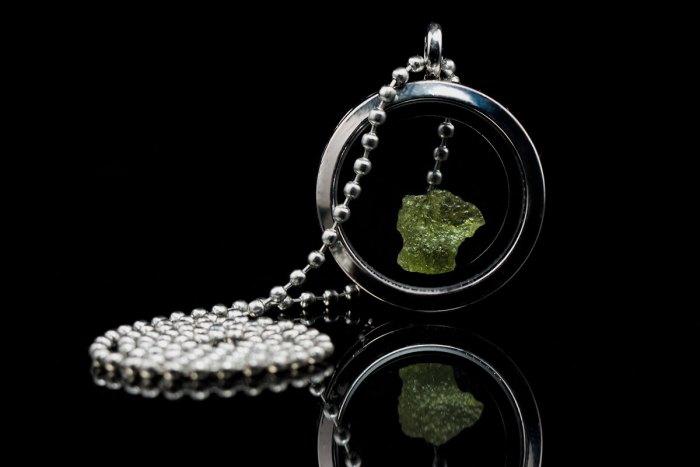 https://www.aerolite.org/wp-content/uploads/2017/11/moldavite-locket-necklace-iii.jpg