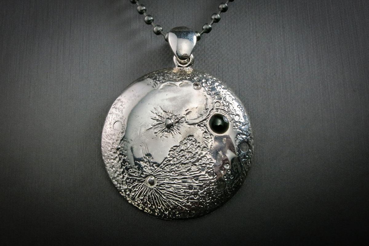 silver-moon-pendant-iii