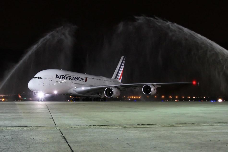 First_A380_commercial_flight_to_Rio_de_Janeiro___2_