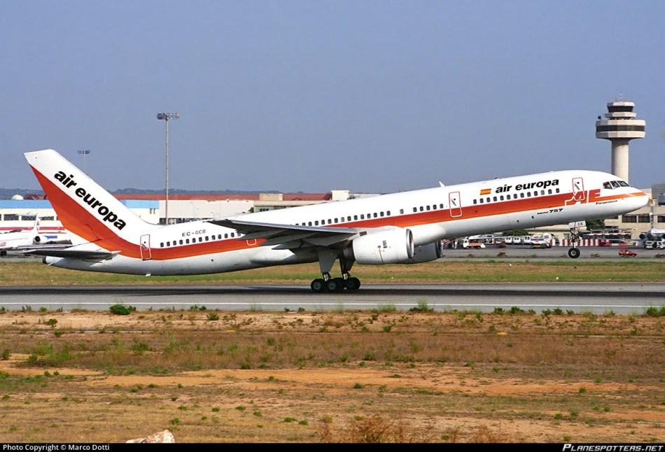 ec-gcb-air-europa-boeing-757-236_planespottersnet_680891