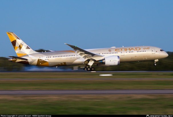 a6-bld-etihad-airways-boeing-787-9-dreamliner_PlanespottersNet_622221