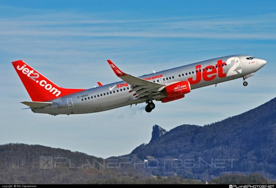 5674_Boeing-737-800_G-GDFC