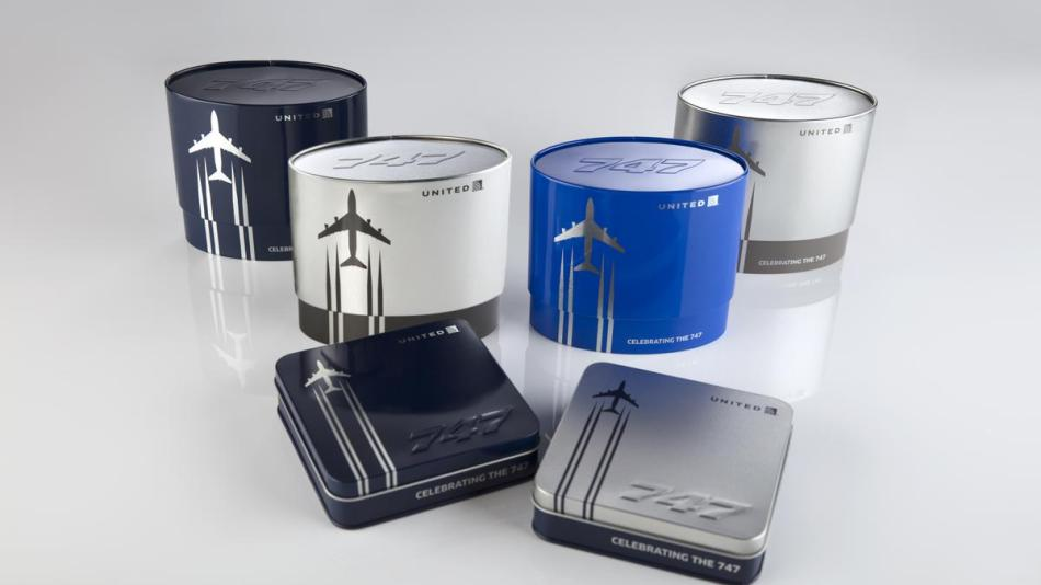 united-airlines-747-amenity-kits_1200xx8688-4887-0-453