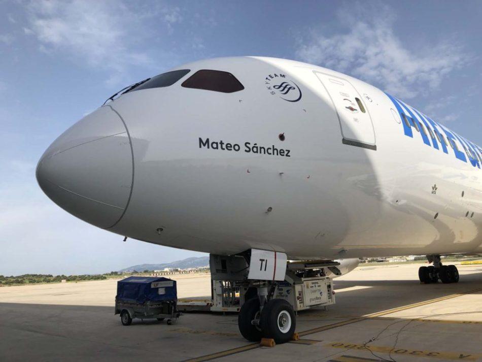 Boeing-EC_MTI-Air-Europa-990x743
