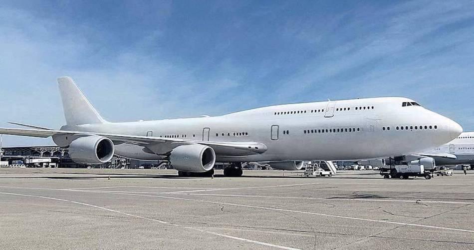 Qatari-747-8-1