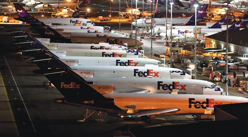 fedex-plane-memphis-world-hub_0
